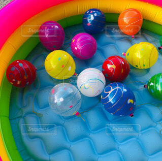 屋内,屋外,カラフル,黄色,風船,ボール,イベント,お祭り,遊び,カラー,風物詩,遊び場,夏祭り,水風船