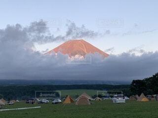 自然,風景,アウトドア,空,夕日,富士山,屋外,雲,山,景色,壮大,草,大自然,キャンプ,テント,夕陽,ソロキャンプ,デイキャンプ,ふもとっぱら