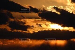 自然,風景,空,夕日,屋外,太陽,雲,夕暮れ,夕方,逆光,8月,残光,伊勢半島