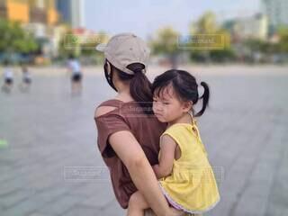 風景,かわいい,親子,人物,人,おんぶ,母と娘
