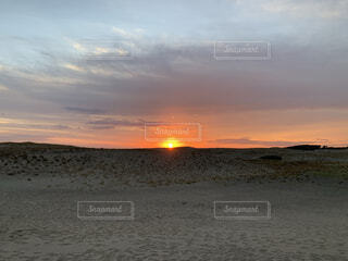風景,空,屋外,太陽,砂,ビーチ,雲,砂浜,夕暮れ