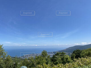 自然,風景,空,屋外,雲,北海道,山,丘,樹木,新緑,展望台,高原,斜面,眺め,日中,山腹
