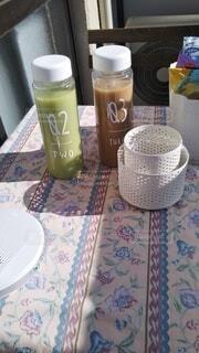 カフェ,コーヒー,テーブル,キャンドル,リラックス,マグカップ,食器,ボトル,カップ,おうちカフェ,ドリンク,おうち,ライフスタイル,ソフトド リンク,おうち時間