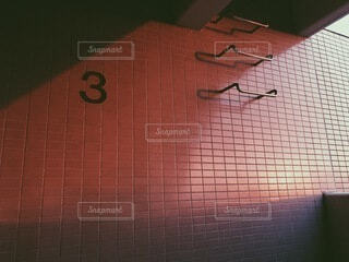 ピンク,夕焼け,アート,オレンジ,壁,はしご,数字,茜色