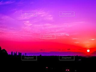 夕焼けの街の写真・画像素材[4161941]