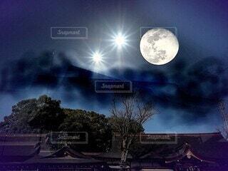 或る惑星の夜の写真・画像素材[4230810]