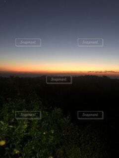 空,屋外,雲,夕暮れ,山,樹木,バック グラウンド