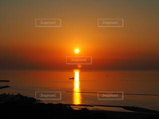 自然,空,夕日,屋外,湖,太陽,ビーチ,雲,夕暮れ,水面,夜明け,四国,香川,穏やか,設定,有明浜