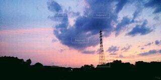 自然,風景,空,屋外,雲,夕焼け,夕暮れ,夕方,鉄塔,タワー,電波塔,グラデーション