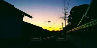 空,街並み,屋外,雲,夕焼け,夕暮れ,夕方,電柱,電線,グラデーション,帰宅