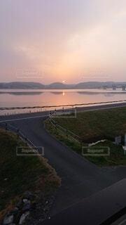 屋外,湖,太陽,水面,オレンジ,空中,早朝
