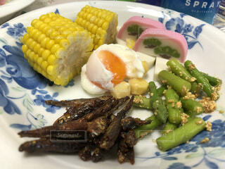 食べ物,食事,野菜,皿,銀杏,卵,朝ごはん,アスパラガス,魚介類,半熟卵,栄養,とうもろこし,スイートコーン