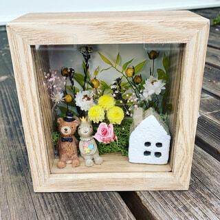 花,うさぎ,花瓶,バラ,家,ウエディング,木目,アレンジメント,プリザーブドフラワー,クマ