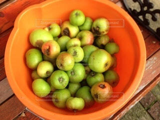 食べ物,マンゴー,テーブル,果物,皿,リンゴ,ボウル,ダイエット食品,自然食品,グラニースミス