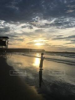 海,空,屋外,ビーチ,雲,夕暮れ,水面,海岸,反射,朝焼け,日の出