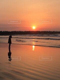 自然,海,空,屋外,湖,太陽,ビーチ,雲,夕暮れ,水面,海岸,人物,人,日の出