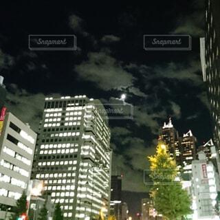 空,建物,屋外,雲,タワー,樹木,都会,高層ビル,ダウンタウン