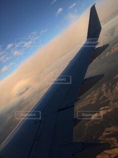 空,屋外,雲,飛行機,虹,飛ぶ,レインボー,大地,旅行,翼,航空機,ダブルレインボー,フライト,旅客機,空の旅,ジェット,大陸