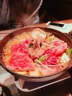 テーブルの上の鍋の写真・画像素材[4191324]