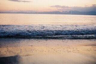 自然,風景,海,空,屋外,ビーチ,雲,砂浜,夕暮れ,波打ち際,波,水面,フィルムカメラ