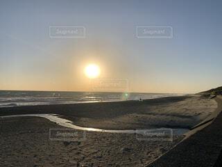 自然,海,空,屋外,太陽,砂,ビーチ,雲,水面,地面