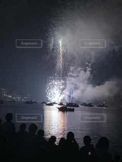 屋外,湖,ボート,花火,水面,煙