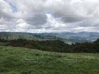 自然,空,屋外,雲,山,景色,草,樹木,くもり