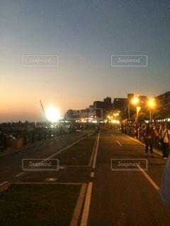 夜の都市の眺めの写真・画像素材[4154710]