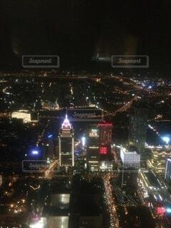 建物,夜,屋外,高層ビル,明るい