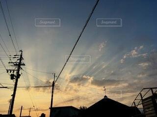 空,冬,屋外,雲,朝焼け,電柱,電線,早朝