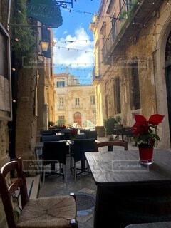カフェ,建物,花,家,椅子,テーブル,都会,植木鉢,道,家具,レストラン,観葉植物,イタリア,バール