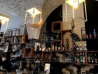 カフェ,インテリア,屋内,花瓶,アート,テーブル,棚,ボトル,家具,レストラン,イタリア,バール