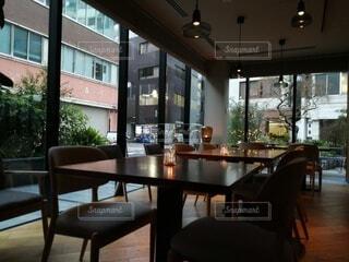 カフェ,インテリア,屋内,窓,椅子,床,家具,モダン,デザイン,レストラン,ホテル,ダイニング