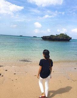 自然,海,空,屋外,砂,ビーチ,雲,水面,海岸,沖縄,人物,人,デート,彼女