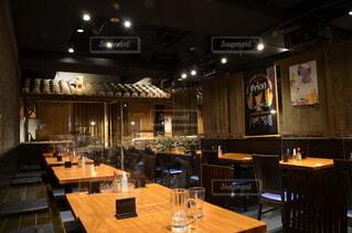 屋内,椅子,テーブル,家具,レストラン,天井,居酒屋,沖縄料理屋