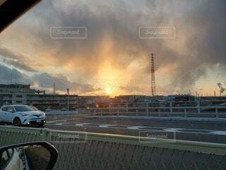 空,屋外,雲,くもり,車両