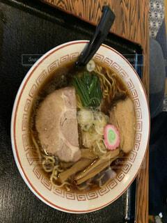 食べ物,屋内,皿,スープ,箸,麺,中華料理,ラーメン,ヌードル,鍋料理,めんつゆ,だし