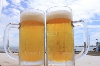 食べ物,海,空,夏,青空,青,黄色,浜辺,ビール,カップ,ドリンク,黄,アルコール,爽快,飲料,待ち遠しい,ビールグラス,アルコール飲料,ラガービール,パイントグラス,パイント,小麦ビール