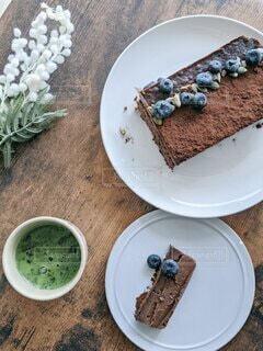 抹茶とチョコレートテリーヌの写真・画像素材[4338521]