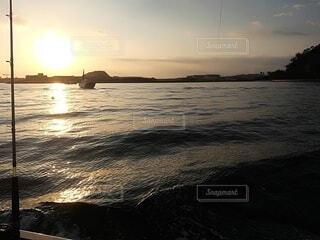 海,空,屋外,湖,太陽,ビーチ,雲,ボート,夕暮れ,船,水面,水上バイク