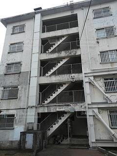 風景,建物,屋外,階段,窓,家,古い,都会,アパート,通り,団地,汚い,崩壊,アーキテクチャ