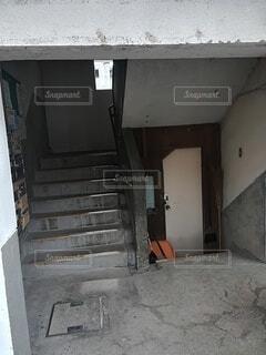 建物,屋内,階段,古い,壁,ドア,団地,汚い,崩壊,放棄,探査