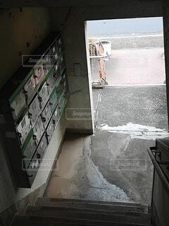 屋外,階段,黒,古い,石,団地,汚い,崩壊,放棄