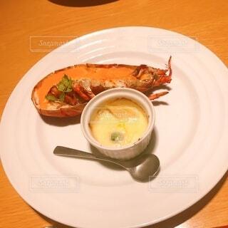 食べ物,ディナー,フォーク,テーブル,スプーン,皿,食器,レストラン,魚介類,調理器具,ファストフード,大皿,受け皿