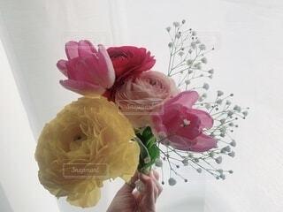花,屋内,かすみ草,花束,花瓶,バラ,チューリップ,薔薇,草木,ラナンキュラス,切り花