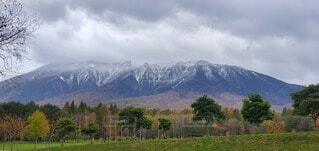 自然,風景,空,雪,屋外,雲,山,景色,樹木,岩手山,冠雪