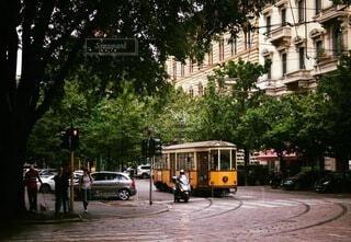 路面電車,樹木,都会,バス,並木道,イタリア,通り,ミラノ,トラム,車両