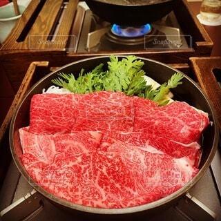食べ物,屋内,テーブル,肉,料理,赤身肉,動物性脂肪,牛鍋
