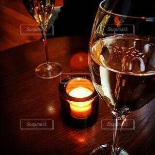 屋内,ガラス,テーブル,キャンドル,食器,ワイン,グラス,カクテル,バー,ドリンク,アルコール,シャンパングラス,ワイングラス,メガネ