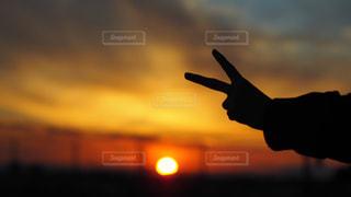 背景の夕日 - No.789312
